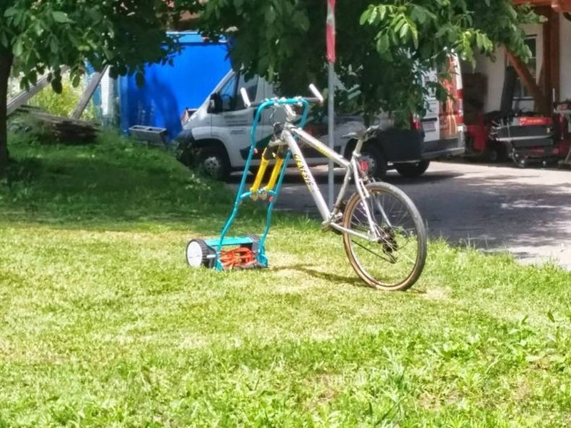 Fahrrad1.thumb.jpg.623c2d624b95a8d79ec79350994e4098.jpg